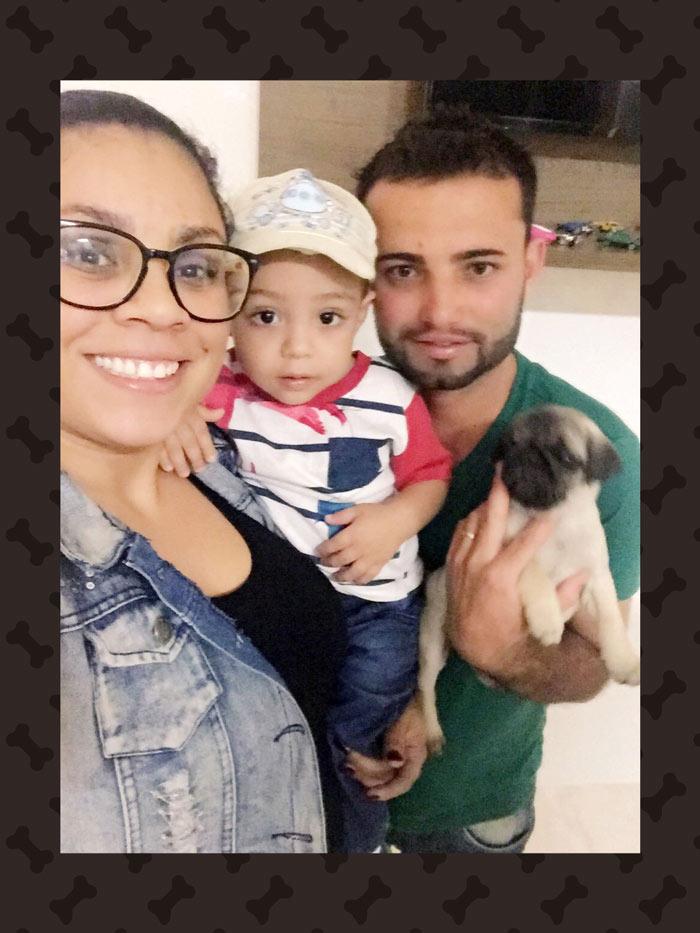Ana Carolina & Glauber com o filho Arthur e o filhote Maya – Caeté/MG